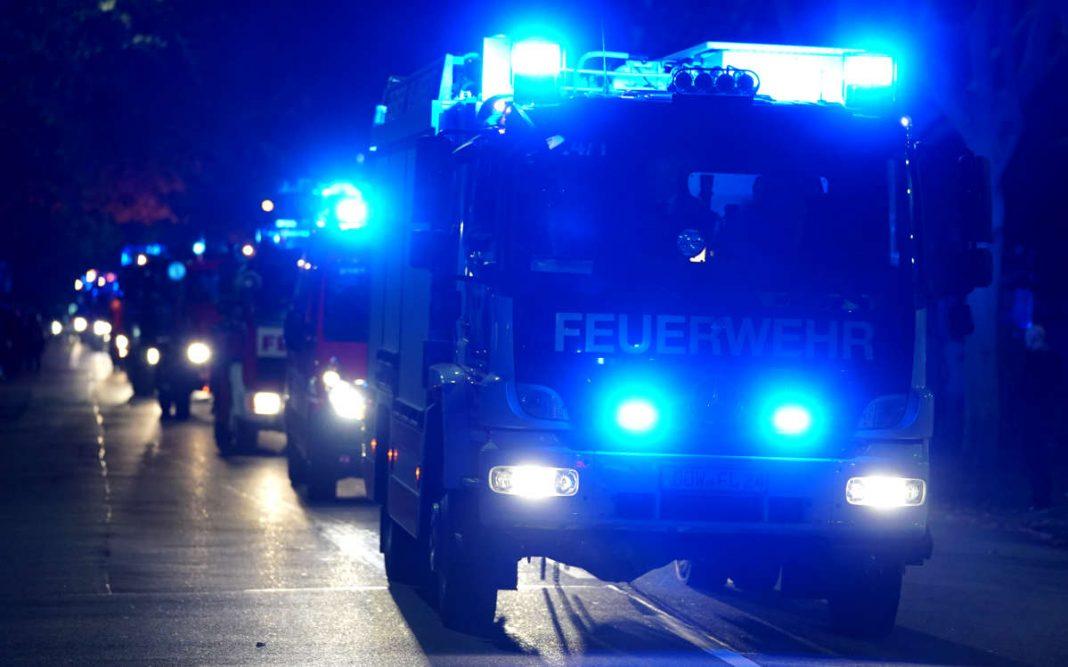 Symbolbild Feuerwehr LU, Blaulicht, Einsatz, Blaulichtumzug © Holger Knecht