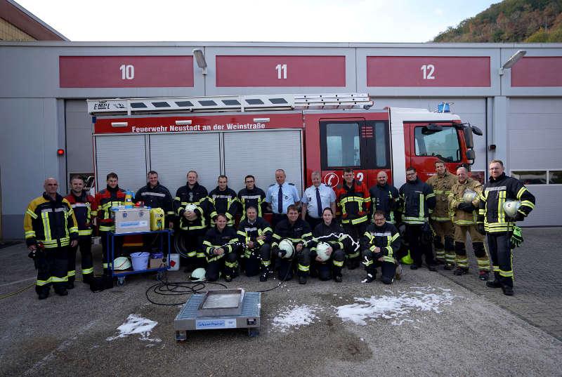 Neustadt Feuerwehr Schaumtrainer (Foto: Holger Knecht)