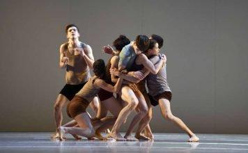 Staatsballett-Ensemble (Foto: Bettina Stöß)