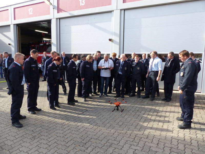 Fortbildung an der Drohne (Foto: Medienteam Feuerwehr Neustadt)