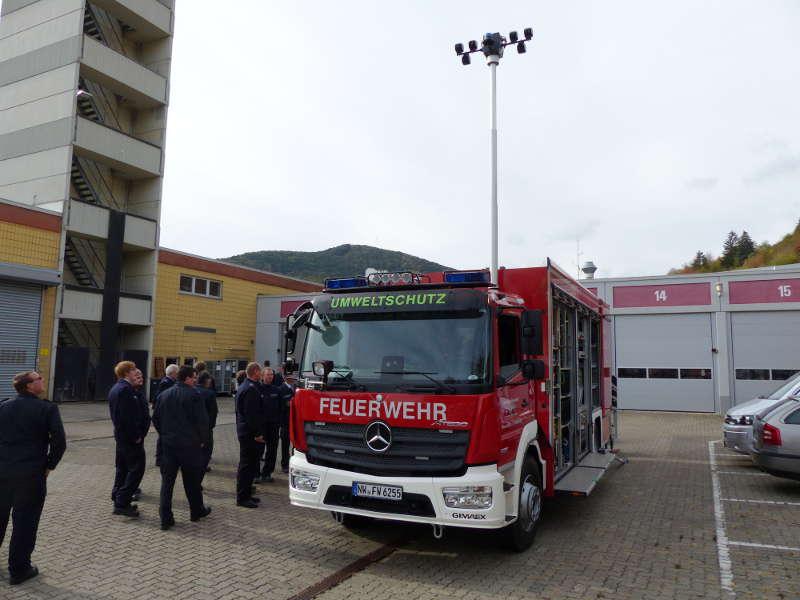Besichtigung des Gerätewagens (Foto: Medienteam Feuerwehr Neustadt)