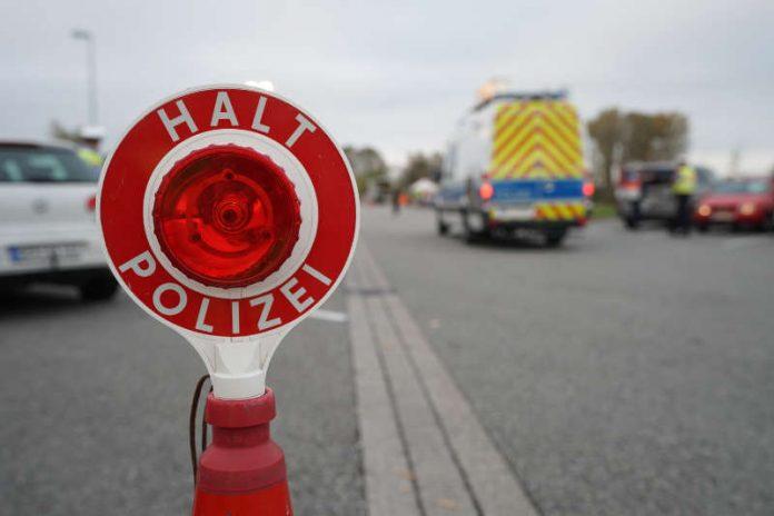 Symbolbild, Polizei, Kontrolle © Holger Knecht