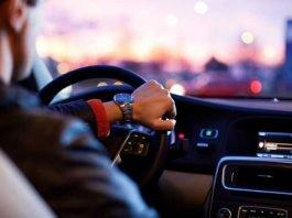 Das soll in den kommenden Jahren der Vergangenheit angehören. Autofahren soll automatisiert werden. Der ADAC hat eine Studie anfertigen lassen Quelle: Pixabay