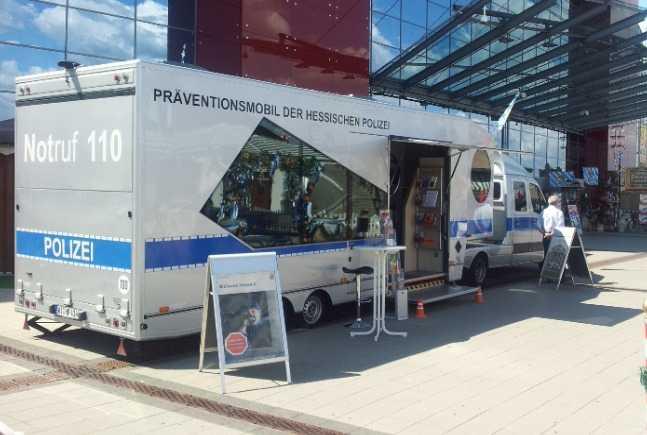 Das Präventionsmobil der Hessischen Polizei macht in Südhessen Station.