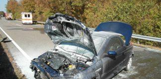 Der am Verkehrsunfall beteiligte PKW (Foto: Polizei RLP)