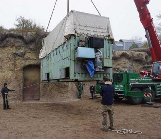 In dem grünen Container wird Elefant Gandhi nach Frankreich reisen. (Foto: Frederik Linti/Zoo Heidelberg)