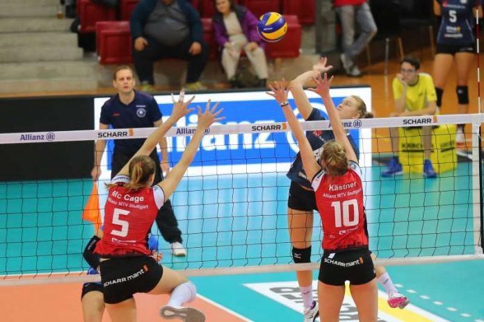Tanja Großer setzt sich gegen Stuttgarts Block durch (Foto: Detlef Gottwald)