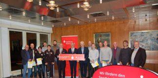 Preisverleihung an 11 Vereine im Rahmen des Fair-Play-Wettbewerbs (Foto: Sparkasse Rhein-Haardt)