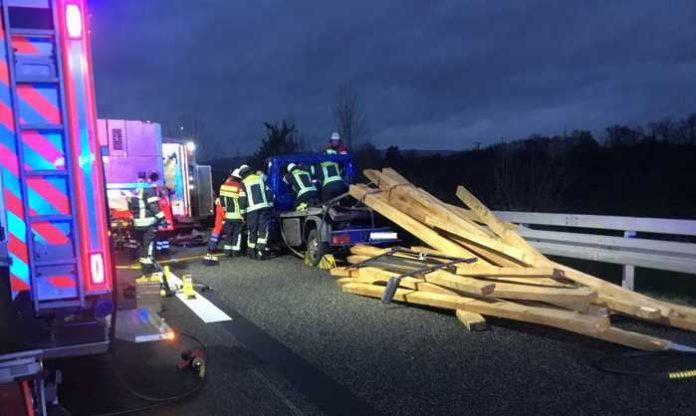 © Feuerwehr Wiesbaden: Verkehrsunfall A66