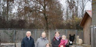Theo Cronewitz,Uschi Renner,Mattea Ritzinger,Katrin Ritzinger,Felia Ritzinger. (Foto: Tiergarten Botschafter Worms)