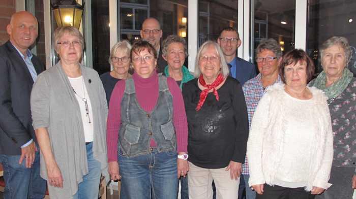Freude über das 20-jährige Bestehen der Klinikbücherei am Standort Buchen der Neckar-Odenwald-Kliniken bei einer Feierstunde. Foto: Neckar-Odenwald-Kliniken