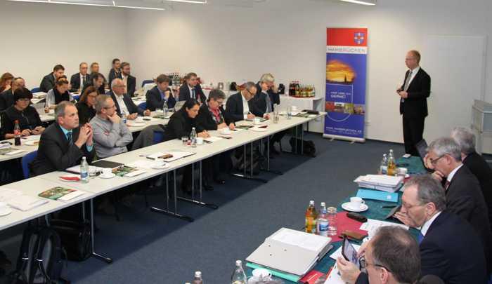 (v.l.n.r.): Die jüngste Kreisversammlung der Bürgermeister fand in Hambrücken statt.