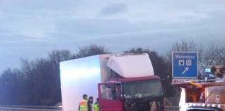Beschädigtes Fahrzeug Unfallverursacher