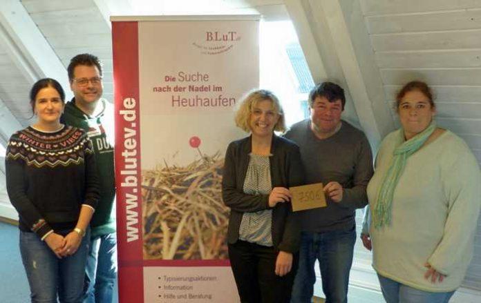 Yvonn Rogowski, Kai Schemenauer, Bernd Kolb und Nicole Blem vom Personalrat der Stadt (v.l.) mit Beate Wimmer (Mitte).