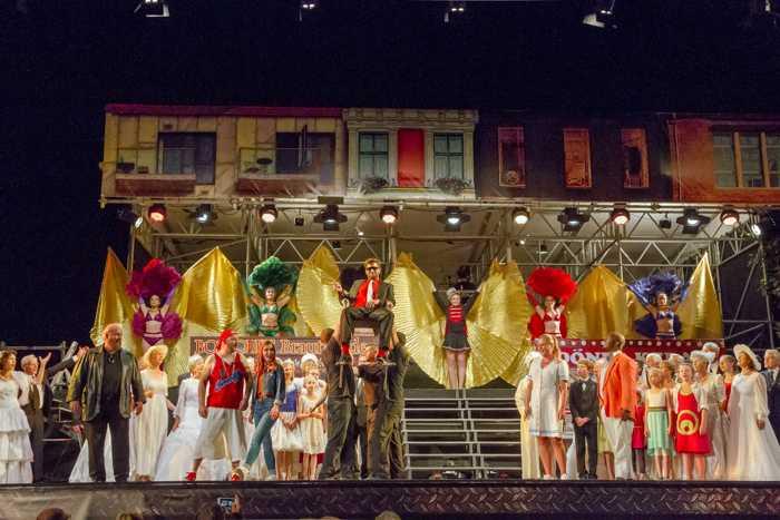 """Profis und begabte Laien stehen bei den Schlossfestspielen Zwingenberg auf einer Bühne. Hier eine Aufnahme aus der Opernproduktion """"Die Entführung aus dem Serail"""" im vergangenen Jahr. Foto: eh Foto&Grafie"""