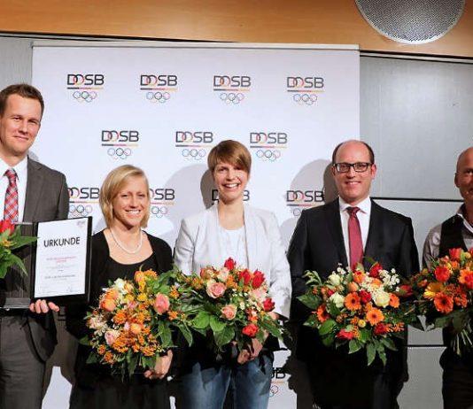 Ausgezeichnete Sportwissenschaftler: (v.l.n.r) Joachim Wiskemann, Monika Frenger, Theresa Hoppe, Stefan Brost und Christian Puta (Foto: DOSB)
