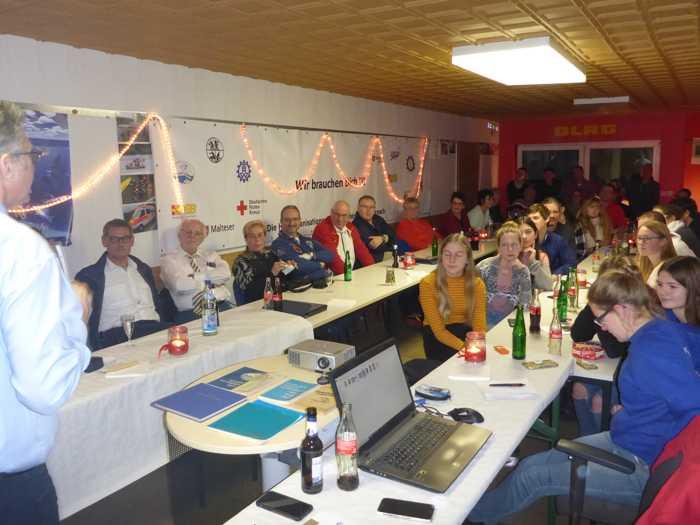 DLRG Bad Kreuznach: Gemeinsamer Jahresabschluss mit 90 Jahre Jubiläumsfeier