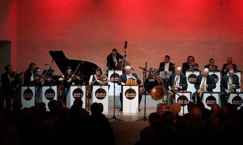 Freinsheim Von-Busch-Hof Schellack-Orchester Neujahr-Gala 2019 (Foto: Holger Knecht)