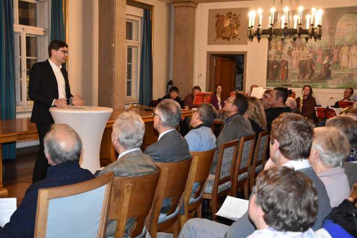 Oberbürgermeister Thomas Hirsch hieß die Teilnehmerinnen und Teilnehmer der Internationalen Gebetswoche der Evangelischen Allianz im Landauer Rathaus willkommen. (Quelle: Stadt Landau in der Pfalz)