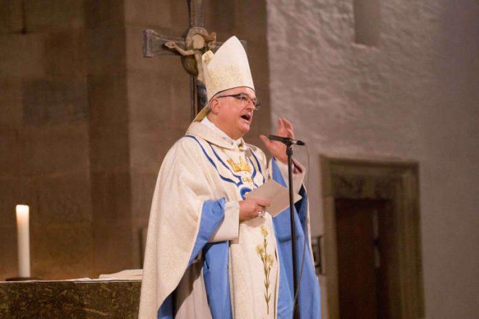 Bischof Dr. Karl-Heinz Wiesemann bei der Predigt. (Foto: Bistum Speyer)