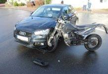 Krad-Fahrer stürzt beim Zusammenstoß mit PKW