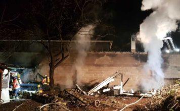 Artikel_Garagenanbau durch Feuer voellig zerstoert