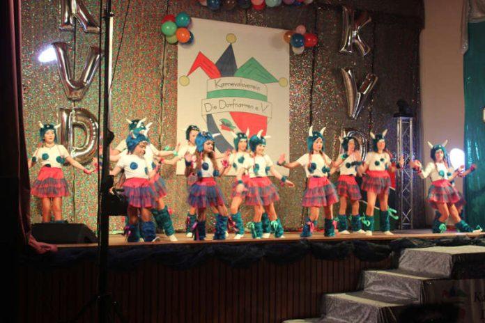 Jugendgarde im Schautanz Monster AG (Foto: Yvonne Faß)