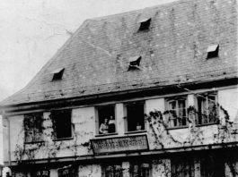 Schloßplatz 7 Ausschank Brauerei Kempff Heinrich Schneider(1909)