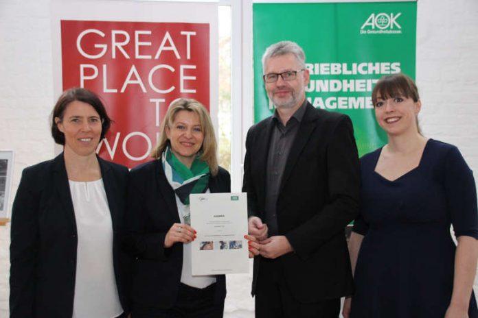 (v.l.) Yvonne Gruber, Alexandra Pointner (beide AOK), Markus Broeckmann (GF AWO Pfalz), Susanne Becker (Stv. GF AWO Pfalz) (Foto: AWO)
