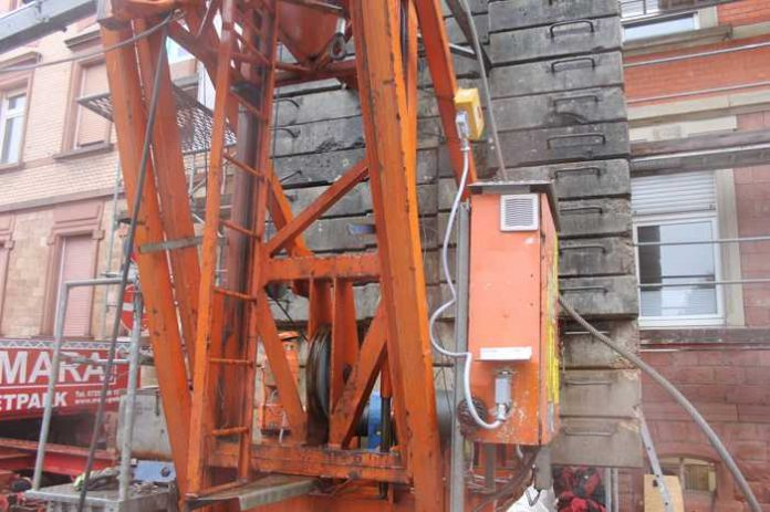 Artikel: Angeblich umgestürzter Baukran-Baustellenunfall