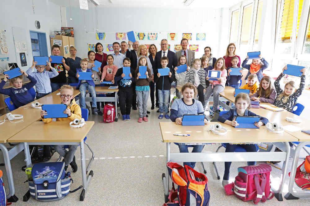 Gruppenfoto (Foto: Sparkasse Rhein-Haardt)