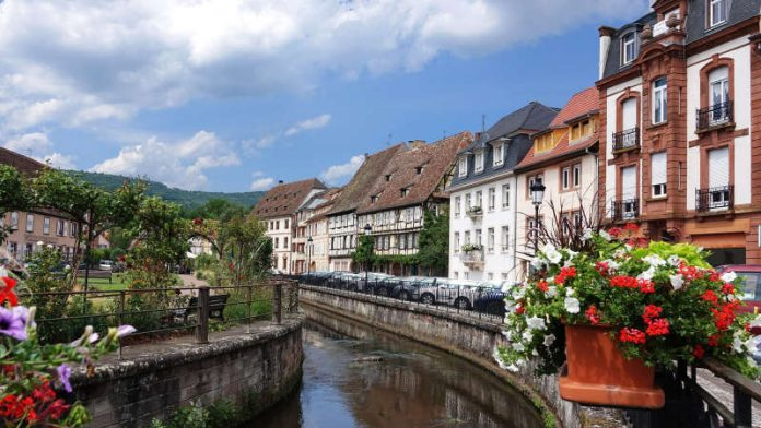 Symbolbild Wissembourg im Elsass (Foto: Pixabay/monikawl999)