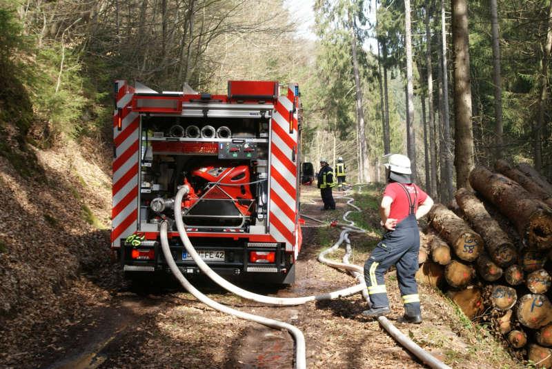Wasserversorgung (Foto: Presseteam der Feuerwehr VG Lambrecht)