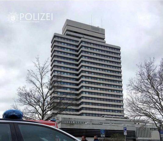 Rathaus, Bombendrohnung, Entwarnung © Polizeipräsidium Westpfalz