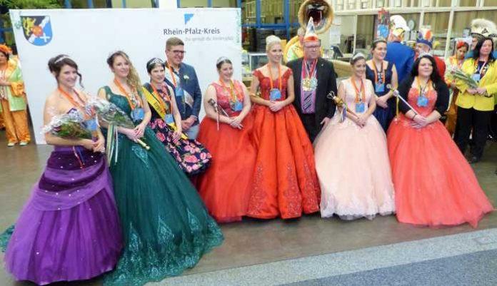 Brachten ganz viel Glanz und gute Laune ins Kreishaus: die Prinzessinnen der Karnevalsvereine des Rhein-Pfalz-Kreises.