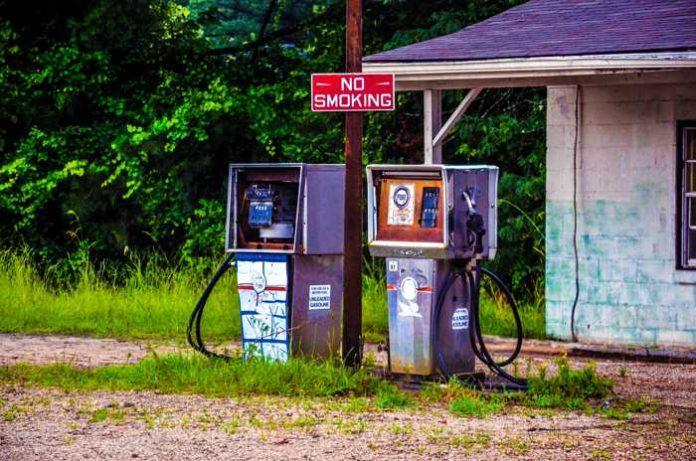 Symbolbild, Auto, Tanken, Tankstelle © USA-Reiseblogger on Pixabay
