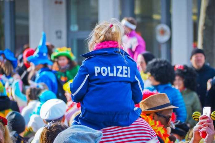 Symbolbild, Fasching, Fasnacht, Karneval, Umzug © Michael Gaida on Pixabay