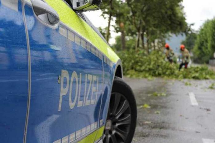 Symbolbild, Polizei, Sturm, Sturmschäden © FreddyGreve on Pixabay