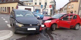 Zusammenstoß zweier PKW (Foto: Polizei RLP)