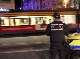 Einsatz in den Abend- und Nachtstunden: Bereits zum 7. Mal haben die Verkehrsbetriebe Karlsruhe und die Polizei eine gemeinsame Schwerpunktkontrolle im Tram- und Stadtbahnverkehr durchgeführt, um das subjektive Sicherheitsgefühl der Fahrgäste zu stärken und Straftaten vorzubeugen (Foto: VBK)