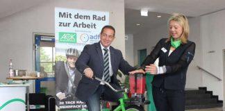 SGD Süd Präsident Hannes Kopf auf dem Smoothie-Bike (Foto: SGD Süd)