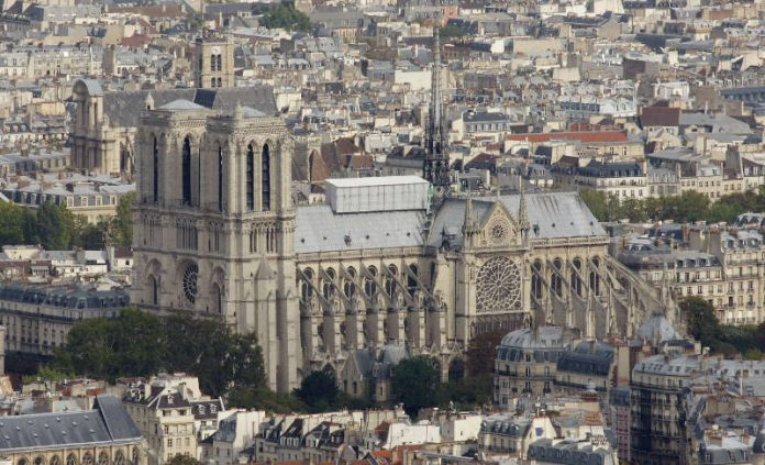 Notre Dame im Oktober 2009 (Foto: Holger Knecht)
