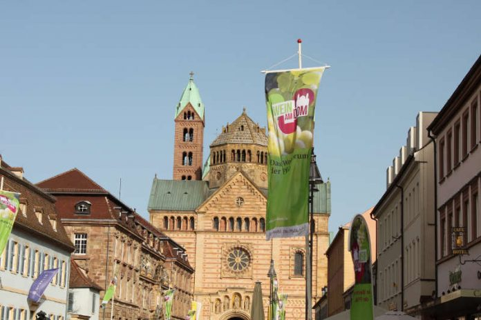 Wein am Dom (Foto 2018: Pfalzwein e.V.)