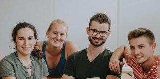 Studierende in der Vorlesung (Foto: Stephan Presser Photography/Weincampus Neustadt)