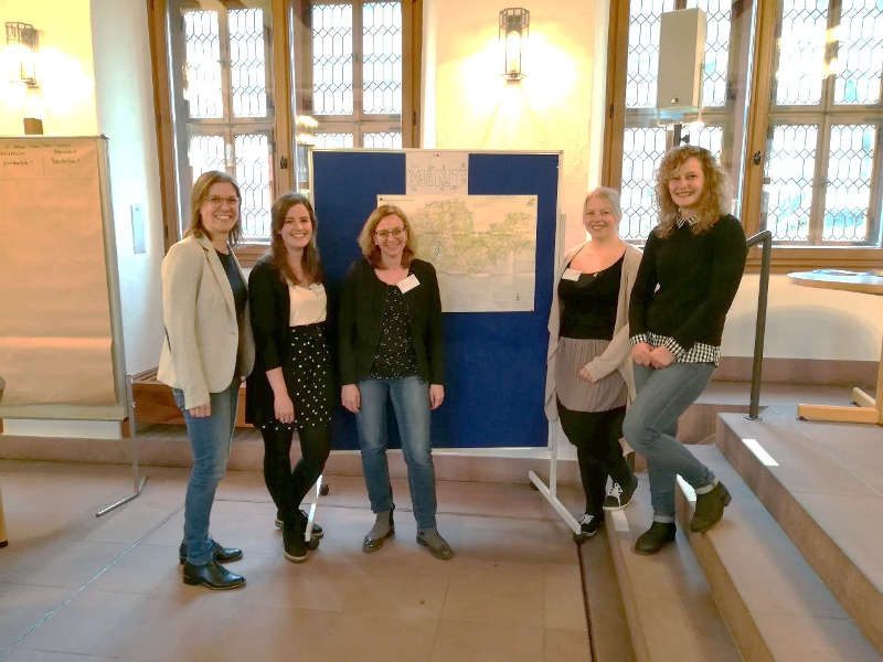 v.l.: Christina Witte (MRN), Luise Forger, Stefanie Deutsch, Ann Kristin Langenbahn (alle vom Bildungsbüro der Stadt Neustadt) und Laura Arndt (Pädagogische Hochschule Heidelberg) (Foto: Stadtverwaltung Neustadt)