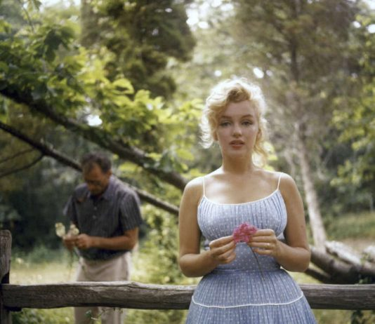 Marilyn Monroe und ihr dritter Ehemann, Dramatiker Arthur Miller, 1957 in New York. (Foto: Sam Shaw/Shaw Family Archives/Getty Images)