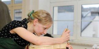 Ausbildung zur Geigenbauerin (Foto: Kipfmüller)