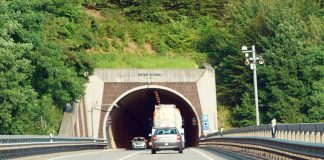 B10 - Tunnelgruppe (Foto: Holger Knecht)