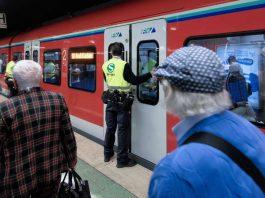 Einstiegslotse (Foto: Deutsche Bahn AG / Andreas Varnhorn)