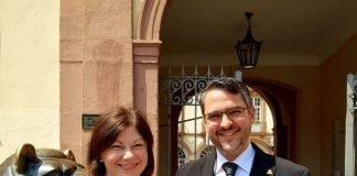 Staatssekretärin Nicole Steingaß und OB Marc Weigel (Foto: Stadtverwaltung Neustadt)